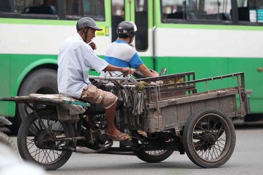 Một chiếc xe ba gác không thể cũ hơn
