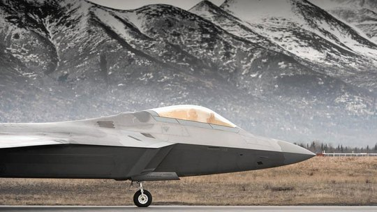 Máy bay F-22 được Mỹ dùng để giám sát máy bay Nga ở Bắc Cực Ảnh: LOS ANGELES TIMES