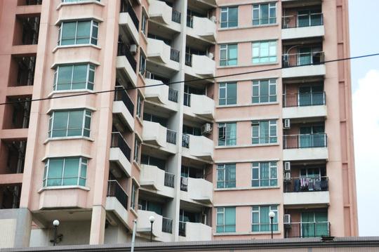 Hơn 640 căn hộ của 3 tòa nhà nhưng chỉ có chưa đến 20 hộ dân sinh sống