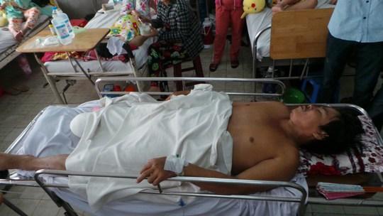 Nạn nhân bị mất chân, vỡ xương chậu