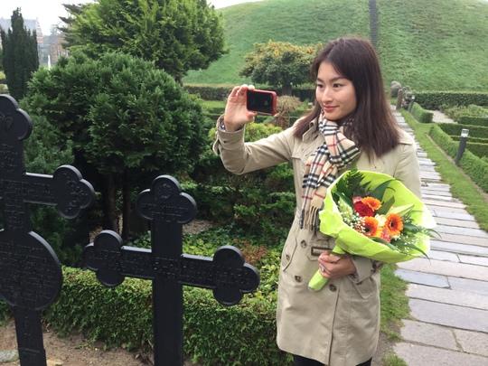 Chụp ảnh tư liệu để có dịp giới thiệu với du khách người Việt lần đầu đến Đan Mạch