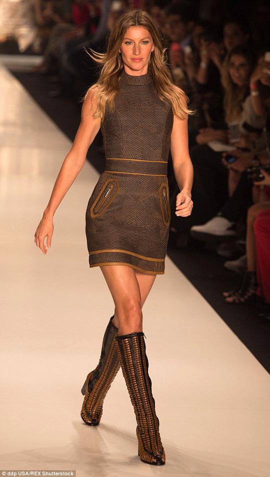 """Gisele Bundchen tiếp tục là """"chân dài"""" thu nhập cao nhất"""
