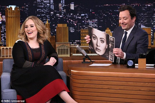 Để quảng bá album 25, Adele tích cực xuất hiện trên các phương tiện truyền thông