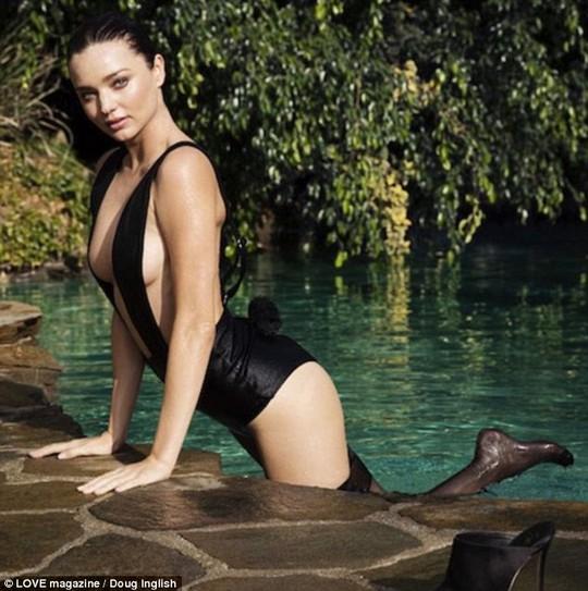 Siêu mẫu Miranda xuất hiện trong video của tạp chí Love