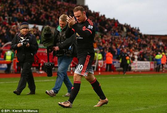 Để Rooney dự bị và cho Depay đá chính là một sai lầm của Van Gaal trong trận đấu tối 27-12