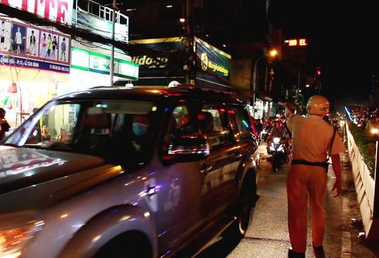 Lực lượng CSGT có mặt điều tiết giao thông