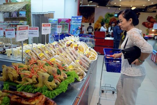 Nếu như người tiêu dùng không được phổ biến kỹ năng nhận biết các loại thực phẩm với mức độ tiêu chuẩn khác nhau thì khó có thể phân biệt đâu là đồ sạch. Ảnh minh họa: Anh Tuấn.
