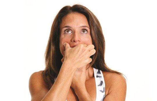 5 động tác đơn giản giúp ngăn ngừa nếp nhăn