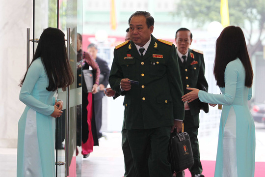 Đến dự Đại hội Đại biểu Đảng bộ TP HCM lần thứ X, trên môi các đại biểu luôn thường trực nụ cười.