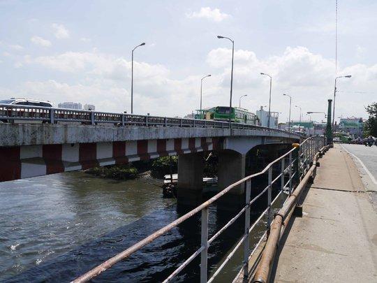 Năm 2003, trước tình trạng nguy cấp của cầu Nhị Thiên Đường, thành phố đã cho xây dựng thêm 1 cây cầu mới song song với cầu cũ và đặt tên là Nhị Thiên Đường 2.