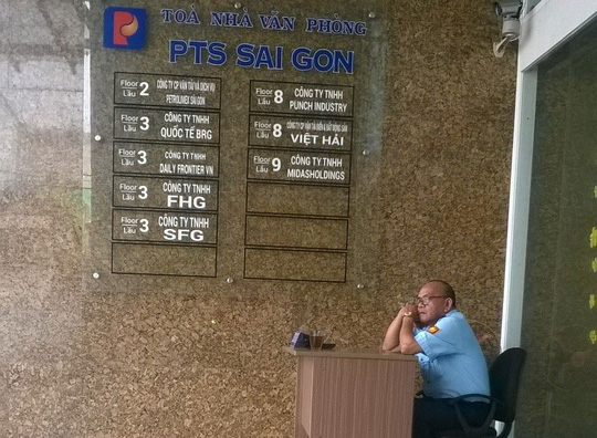 Công ty Việt Hải đang thuê nguyên lầu 8 tòa nhà PTS Sài Gòn làm nơi hoạt động nhưng phớt lờ việc chi trả chế độ cho người lao động