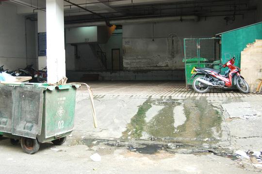 Nhiều khu vực của tòa nhà đang trở nên nhếch nhác và hoang phế