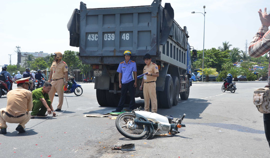 Hiện trường vụ tai nạn giao thông tại vòng xoay tử thần khiến một người tử vong