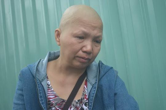 Bà Chín đang điều trị tại Bệnh viện Ung bướu TP HCM