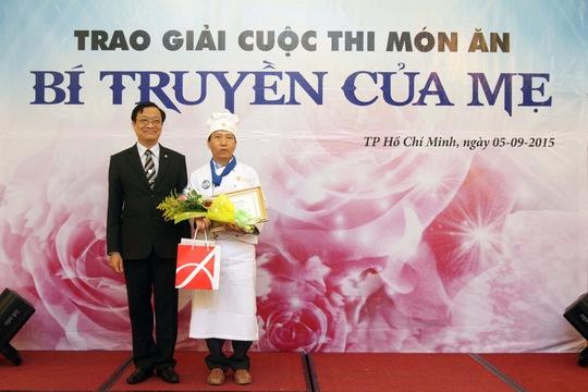 Thí sinh Nguyễn Thanh Dũng chiến thắng với món Cơm chiên ngập nước mắt