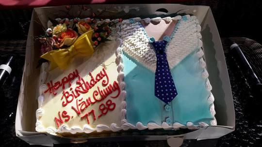 Bánh sinh nhật mừng thọ 88 tuổi nghệ sĩ Văn Chung