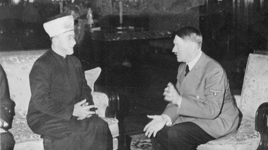 Haj Amin al-Husseini gặp Adolf Hitler vào tháng 11-1941. Ảnh: Wikimedia Commons read more