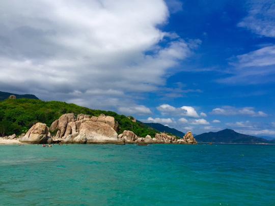Bãi Kinh đẹp mê hồn trên đảo Bình Hưng