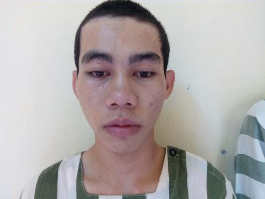 Bị bắt vì làm giả giấy tờ, trốn nghĩa vụ quân sự