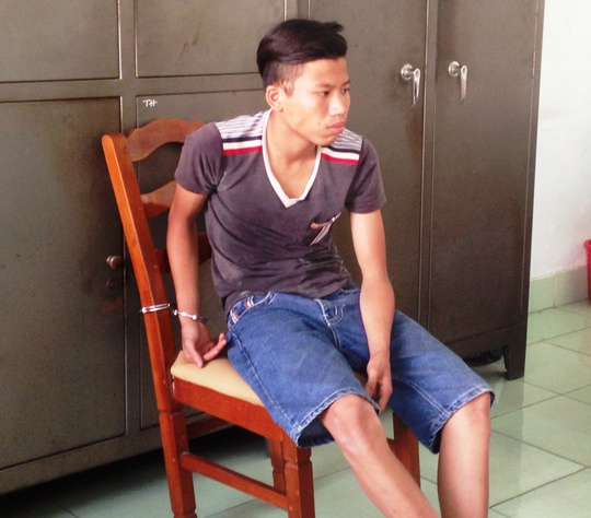 Chỉ vì tham chiếc điện thoại giá rẻ mà Phạm Hoàng Thanh đã giúp Sang phạm tội tày đình