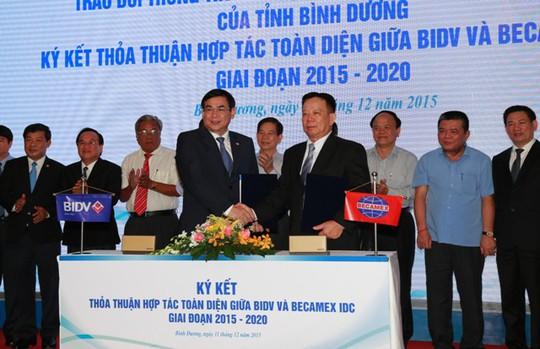 Lãnh đạo BIDV và Becamex IDC ký kết hợp tác vào chiều 11-12
