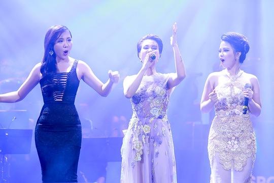 Mai Hương, Uyên Linh, Hoàng Yến cùng trình diễn