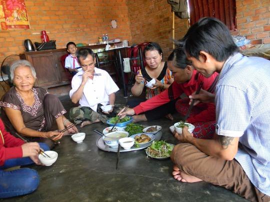 Bữa cơm tình cảm gia đình