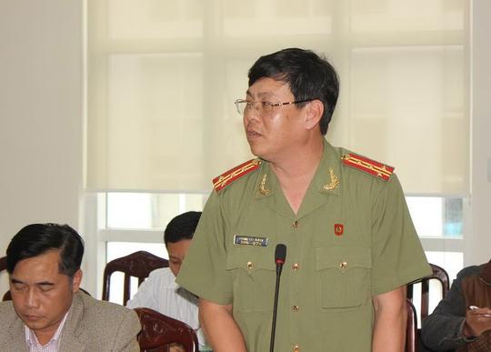 Đại tá Phùng Tất Thành tại cuộc họp báoẢnh: Kỳ Nam