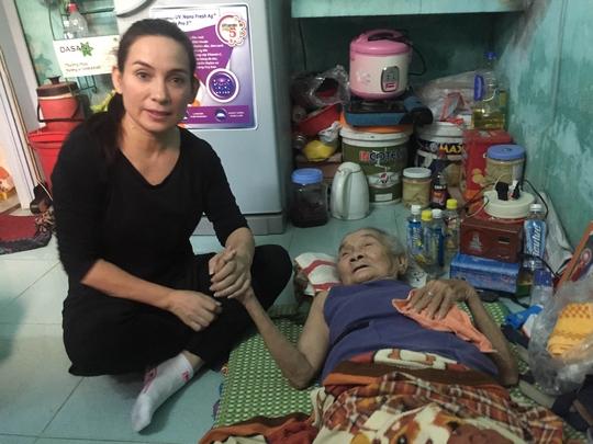 Ca sĩ Phi Nhung rất tích cực tổ chức những chuyến thiện nguyện