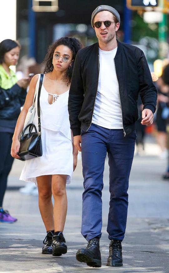 Robert và FKA twigs hẹn hò nhau từ năm 2014