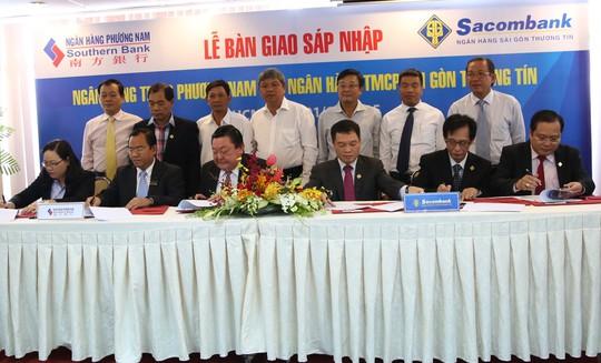 Lễ ký kết bàn giao sáp nhập Southern Bank vào Sacombank hôm 1-10