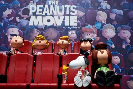 The Peanuts Movie cạnh tranh gay gắt với Spectre