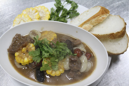 Thí sinh Nguyễn Phương Thy và món Bò hầm ngũ quả