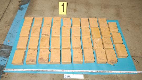 Số heroin buôn lậu... Ảnh: Cảnh sát Liên bang Úc (AFP)
