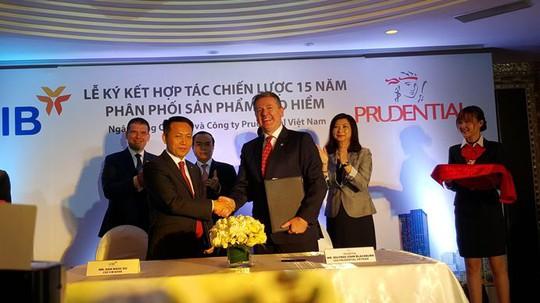 VIB hợp tác với Prudential kinh doanh bảo hiểm nhân thọ