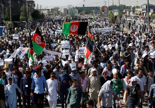 Cộng đồng người Hazara biểu tình ngày 23-7. Ảnh: Reuters