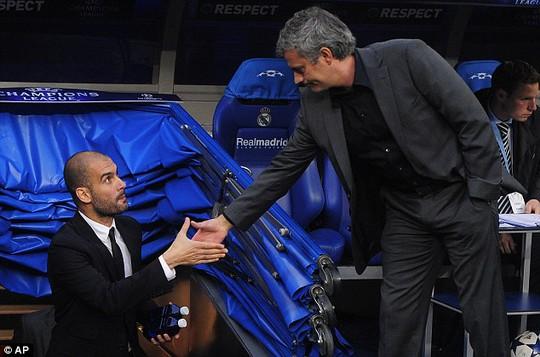 Guardiola sẵn sàng uống rượu với Mourinho sau trận derby