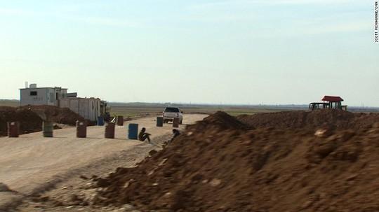 Mỹ đang bí mật xây đường băng ở miền Bắc Syria. Ảnh: CNN