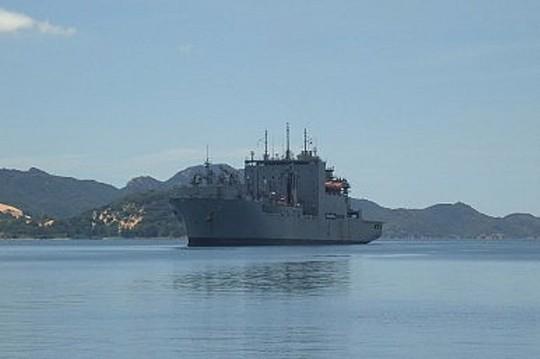Tàu USNS Richard E. Byrd của Hải quân Mỹ đậu tại Vịnh Cam Ranh năm 2011. Ảnh: Hạm đội Thái Bình Dương của Mỹ