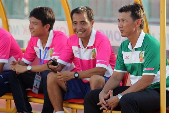 Đây là trận đấu ra mắt của HLV Trần Công Minh bên phía Đồng Tháp. Dưới thời của HLV mới, các cầu thủ bên phía Đồng Tháp chơi tốt hơn và kiểm soát khá tốt thế trận