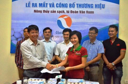 Ông Đoàn Văn Vươn chính thức ra mắt thương hiệu sản phẩm nông sản sạch do chính tay ông sản xuất