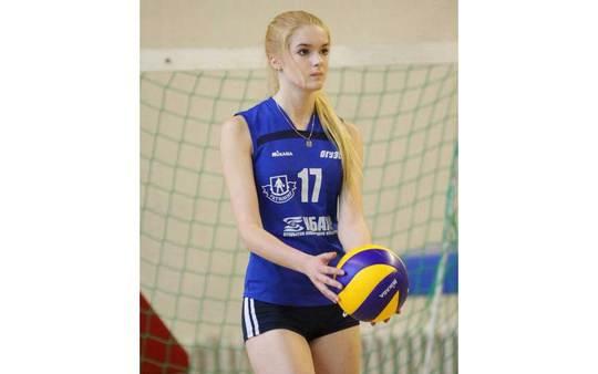 Nhiều người khẳng định Alisa Manyonok là VĐV bóng chuyền nữ đẹp nhất thế giới