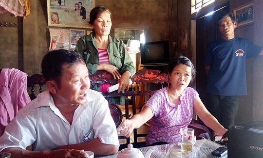 Nhiều người dân thôn Bắc Hòa, xã Ngư Thủy Bắc bức xúc vì cán bộ thôn tự ý lấy gạo đem bán