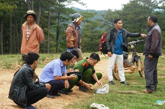 Lực lượng chức năng huyện Lạc Dương, tỉnh Lâm Đồng ghi nhận sự việc tại hiện trường.