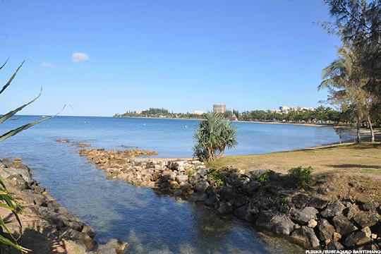 Bãi biển Anse Vata. Ảnh: FLICKR