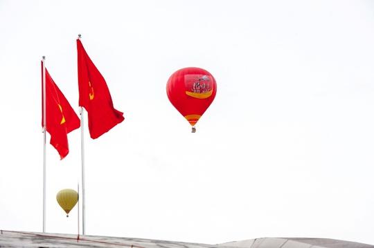 Ngắm cao nguyên Mộc Châu từ khinh khí cầu