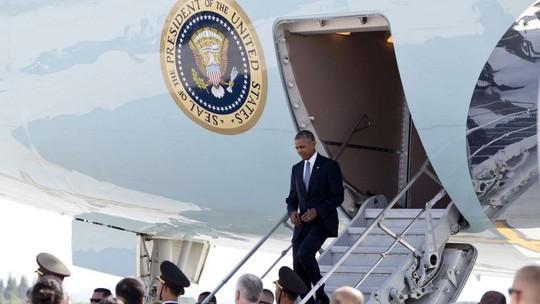 Tổng thống Obama đáp máy bay xuống TP Hàng Châu hôm 3-9. Ảnh: AP