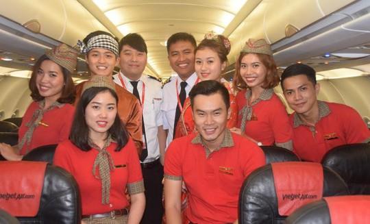 Chị Hằng xinh xắn cùng Chú Cuội và phi hành đoàn đã sẵn sàng chào đón các hành khách trên chuyến bay trung thu đặc biệt