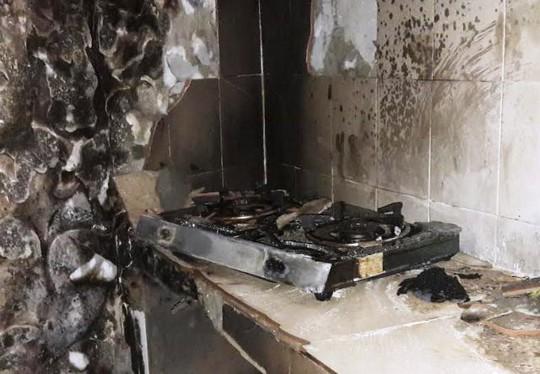 Góc bếp cháy nham nhở, đen sì sau sự cố bình gas phát hỏa