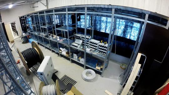 Genesis đặt trụ sở chủ yếu ở Iceland bởi nơi đây có chất lượng Internet tốt và khí hậu lạnh, phù hợp cho việc làm mát các máy chủ. Ngoài ra họ còn có các data center ở Trung Quốc và Bosnia.